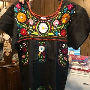 Dresses & Skirts - NWT Typical mexican hand embroidered dress.